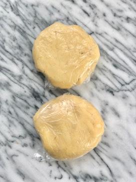 linzer dough discs