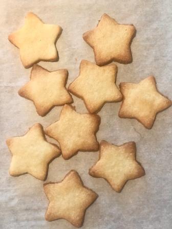 linzer stars baked