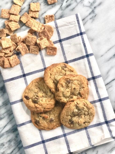 cinnamon toast crunch cookie